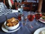 Riktigt gott rosé och fantastisk vitlökspotatis