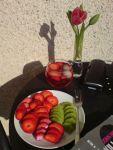 Startade upp valborg med fruktfat och rosé på loftgången. 30/4