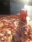 Pizza i solen följt av bio!